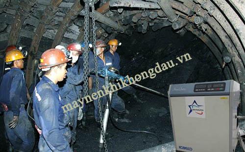 Máy nén khí trục vít không dầu ứng dụng trong khai thác khoáng sản