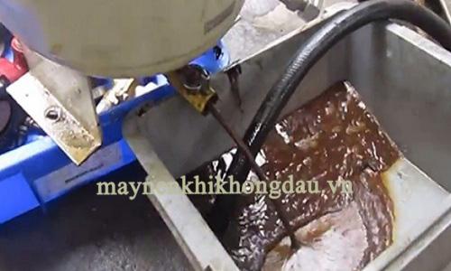 Dầu máy nén khí bẩn là nguyên nhân dẫn đến lỗi nhiệt độ cao trong khí nén