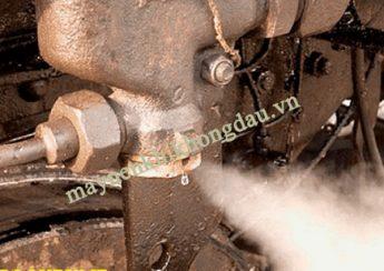 Máy nén khí bị xì hơi do hở van và các mối nối