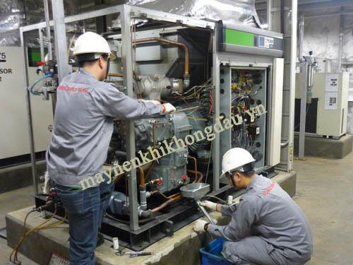 Do môi trường, khi hậu, độ ẩm, nhiệt độ dầu máy khiến máy nén khí có nhiều nước