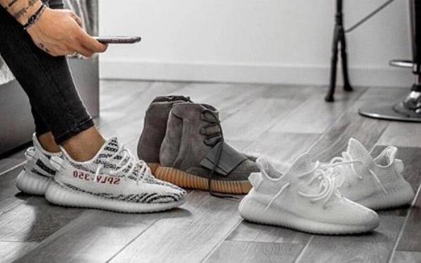 Giày Yeezy là thương hiệu giày được giới trẻ yêu thích bởi sự năng động, trẻ trung